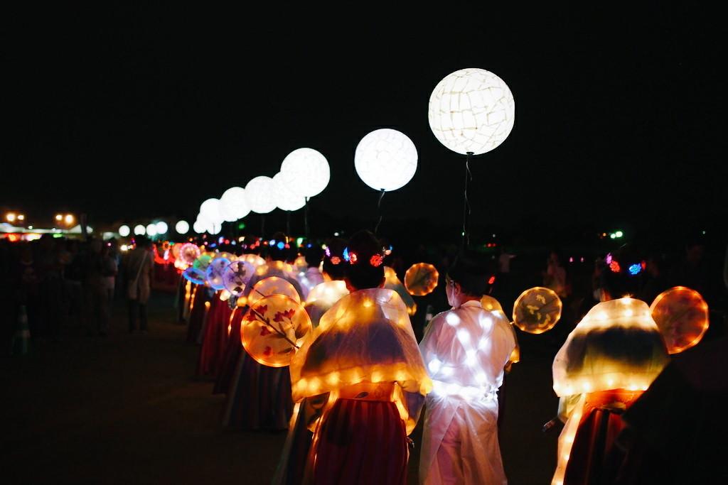 奈良 天平祭 光の天平行列