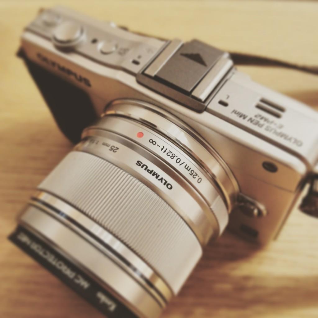 オリンパス E-PM2 f1.8 25mm