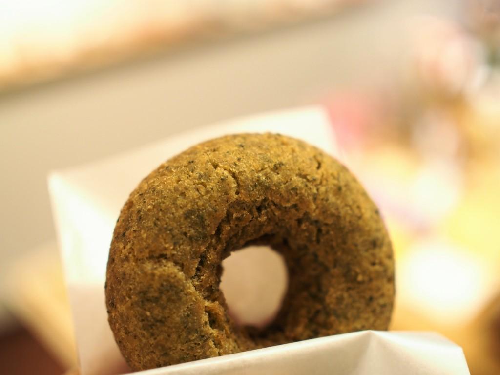 奈良のフロレスタ 茶良 期間限定の大和茶ドーナツ