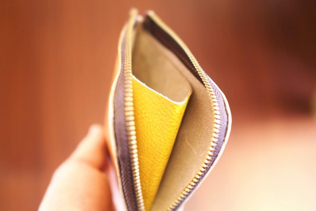 L字ファスナー財布は小さいけど小銭もたっぷり収納