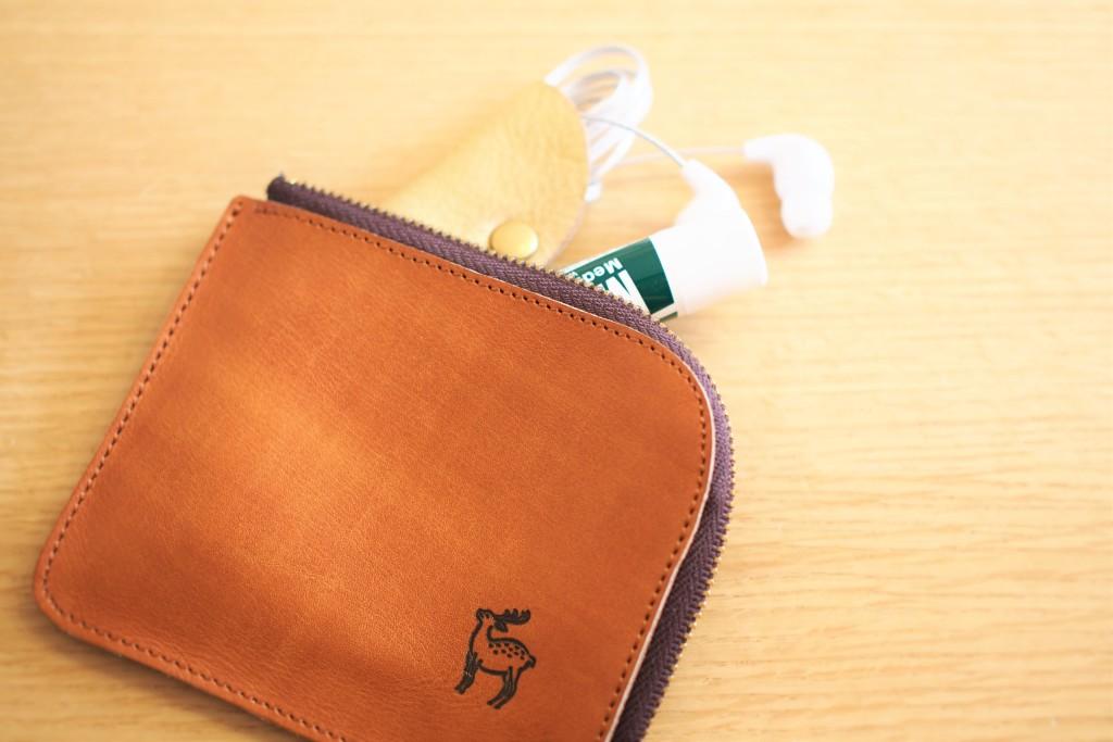 L字ファスナー財布を小物入れとして使う
