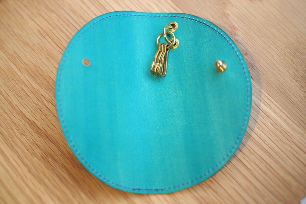 和菓子デザインのキーケース 半月キーケース 瑠璃色×水縹