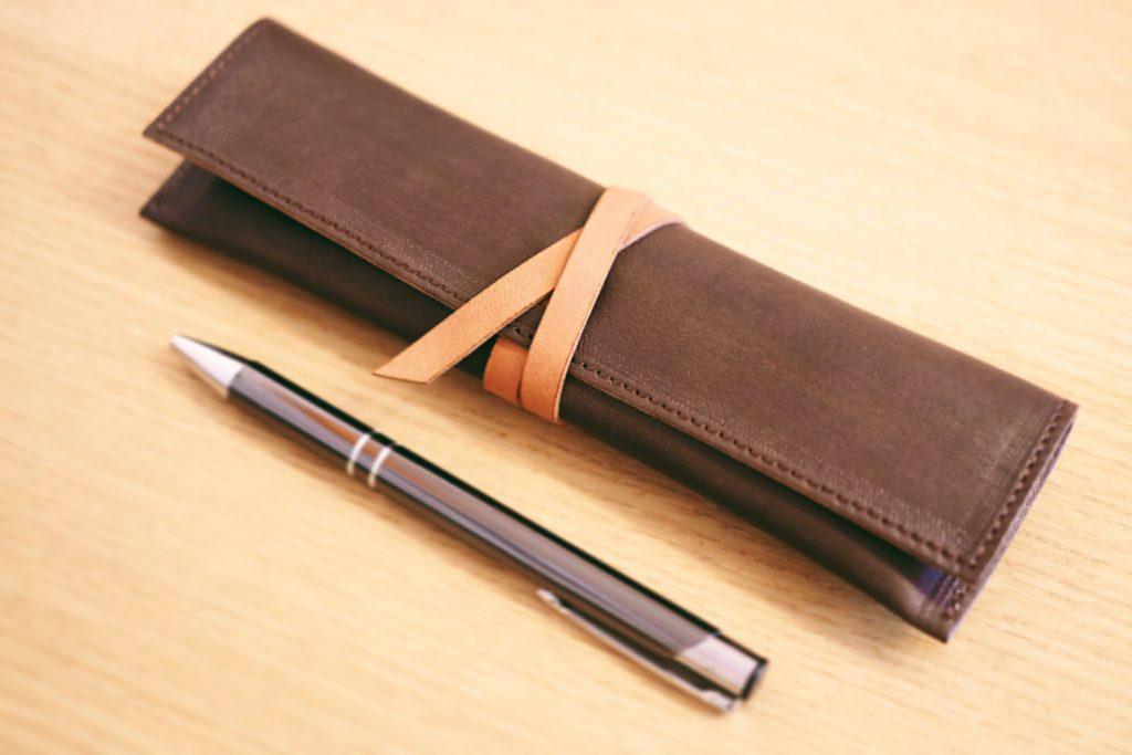 【お客様のオーダー品】シンプルで使いやすい!大人のための「革巻きペンケース」