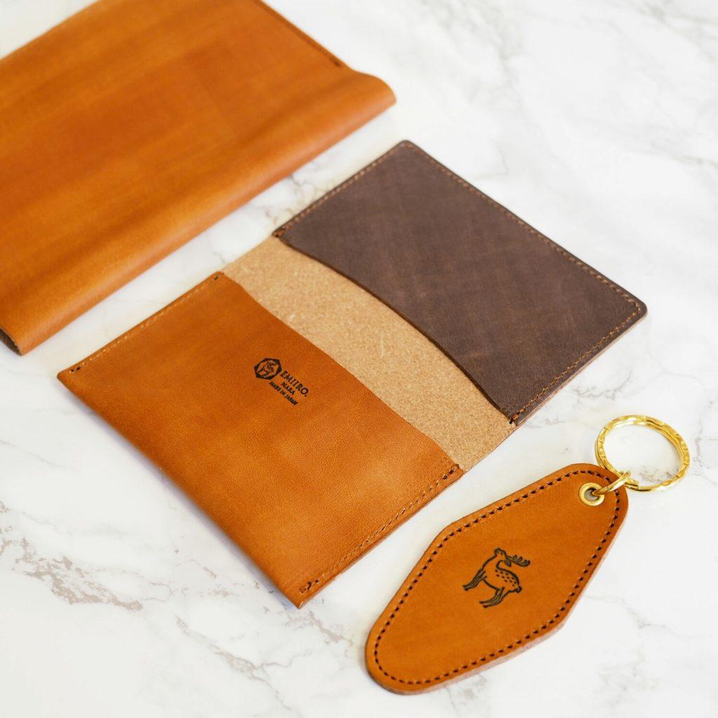 日本の伝統色の革製品 ブックカバー 名刺入れ キーホルダー 柿色 かきいろ