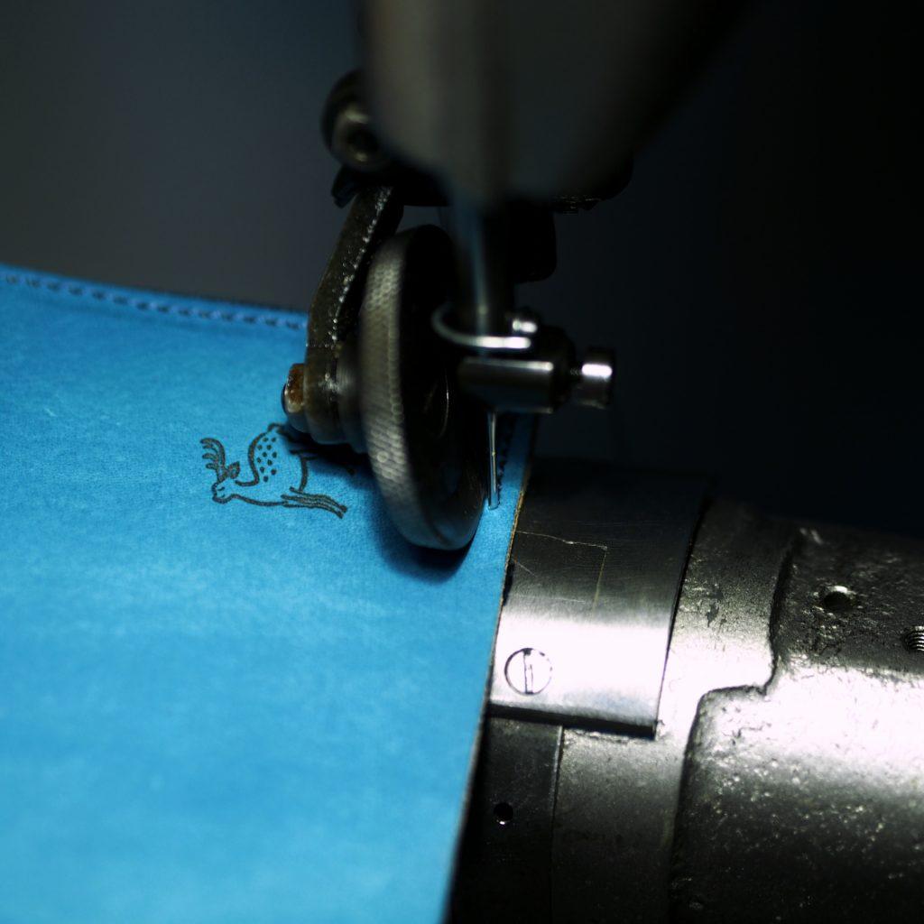Lファスナー財布の縫製